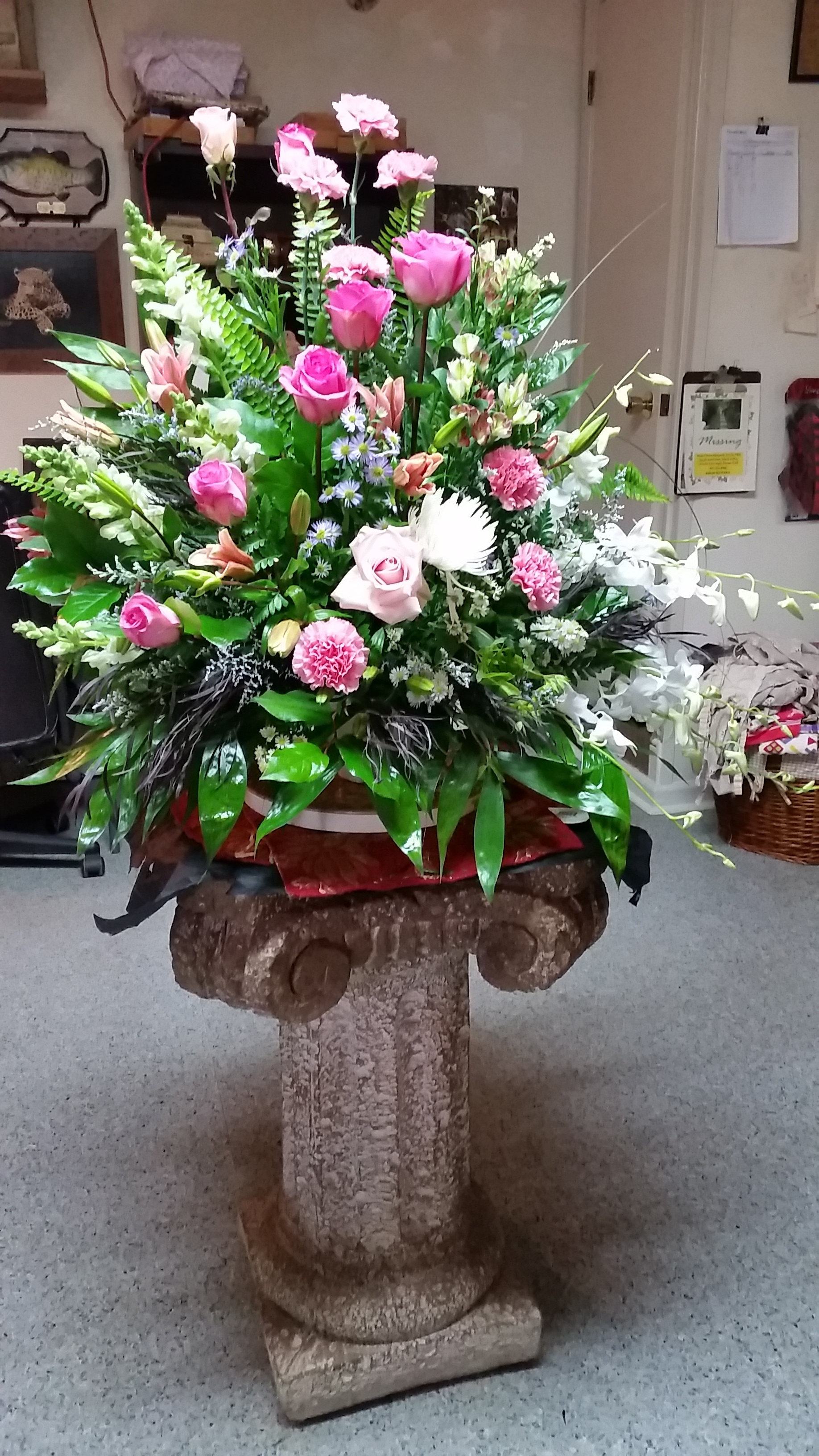 Sympathy flowers sympathy florist in gainesville ga send sympathy funeral flowers today same day delivery to gainesville ga and surrounding areas buy the freshest flowers from your flower girl florist dhlflorist Choice Image